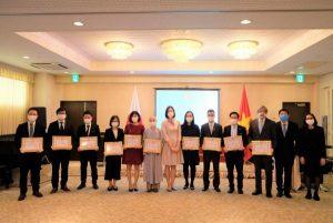 本学修了生が起業した「新潟におけるベトナム人協会」が駐日ベトナム社会主義共和国大使館より表彰されました